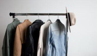 Garderoba capsulă: Ce purtăm toamna aceasta?